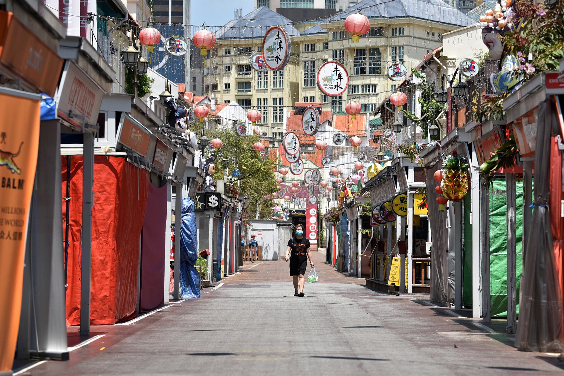 Ảnh: Người dân Singapore nghiêm chỉnh cách ly xã hội ảnh 4